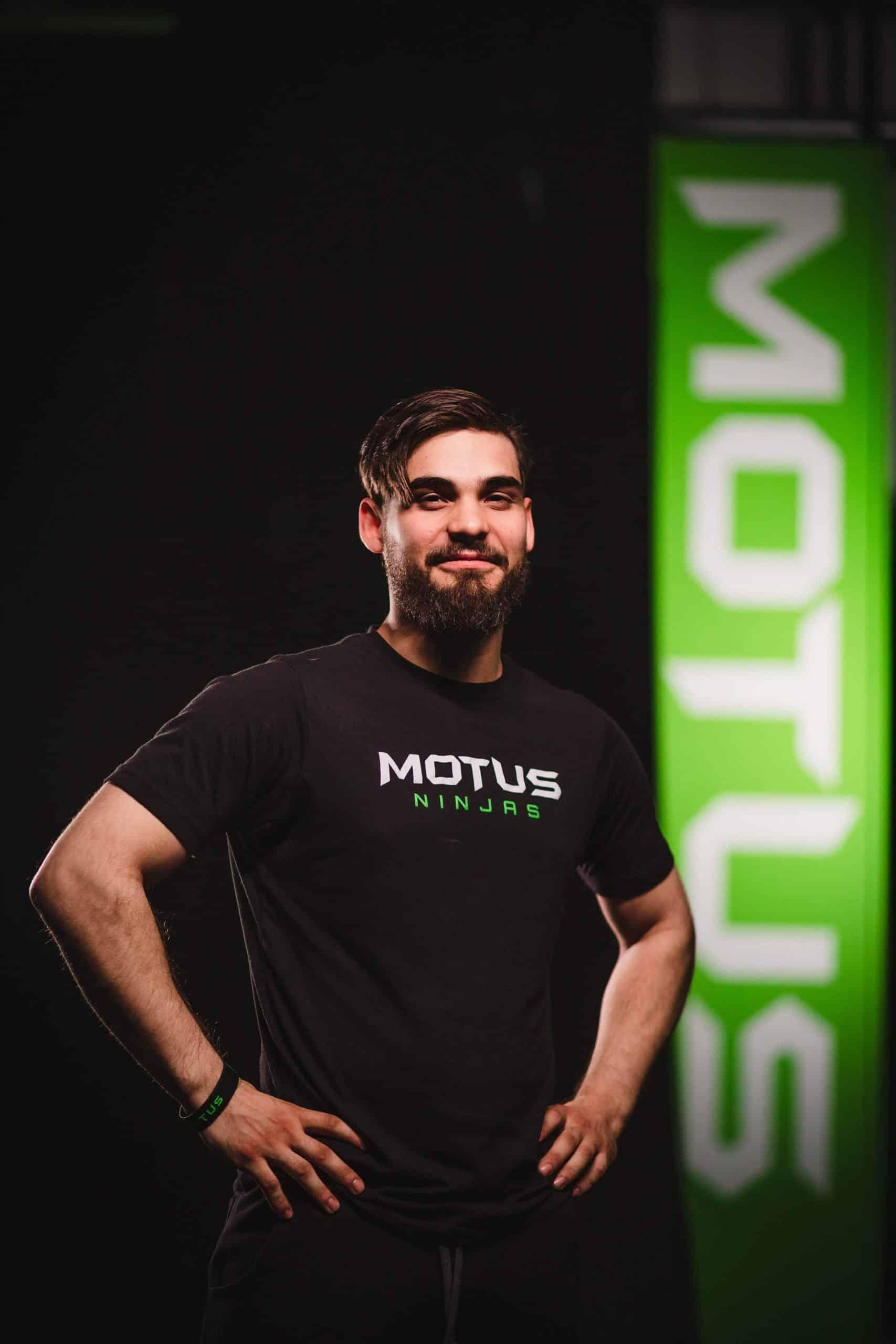 Motus- Curtis